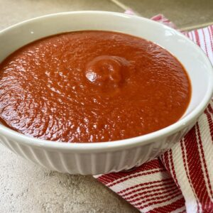 bowl of easy pizza sauce